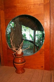 malocar round window